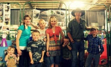 The kids with their Icelandic Sheep at the NWMT Fair